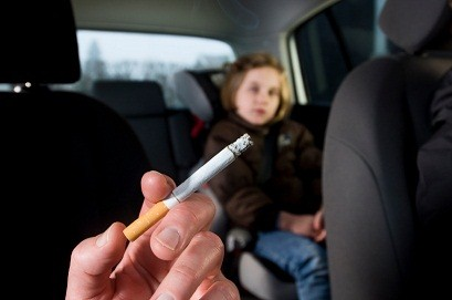 Smoking with kids in car