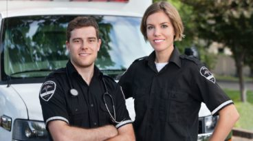 What's the Difference Between an EMT and a Paramedic?