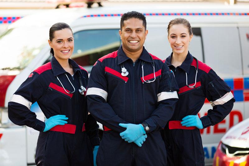 Comparing EMT and Paramedic Diplomas